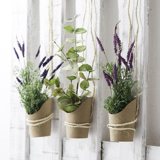 flores-artificiales-muy-mucho-tres-macetas
