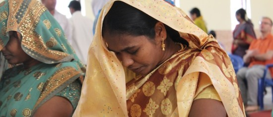 India-widow-praying_fp