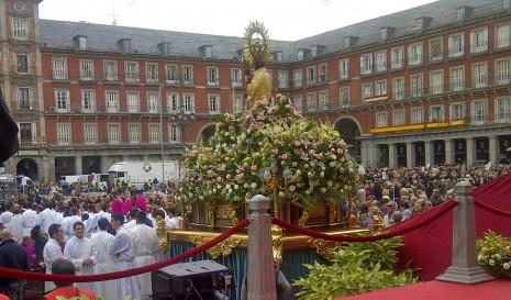 almudena_procesion madrid fiesta de almudena 8 de nov