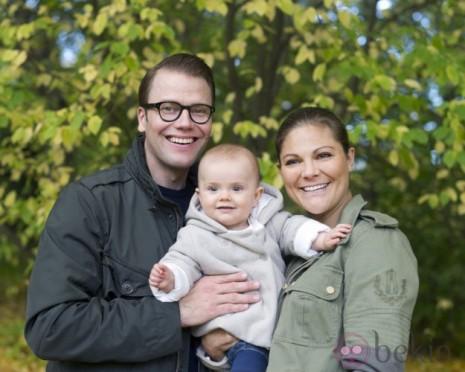 estela-de-suecia-con-sus-padres 2do domingo de nov