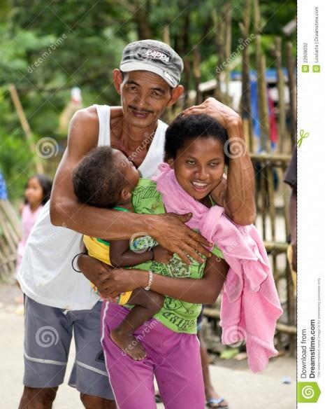 familia-filipina-de-aeta-22608032