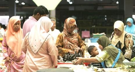 mujeres-de-malasia 10 de mayo