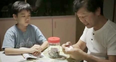 video padre-hijo singapur