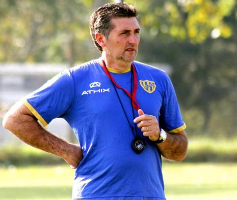 carlos alberto mayor nacio 5 de oct del 65 futb y entrenador argentino