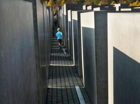 holocausto8271.600x450