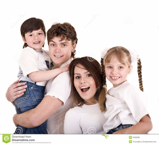 madre-padre-hija-e-hijo-felices-de-la-familia-9406586