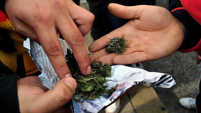 jovenes-vendedores-cannabis-crisis-644x362